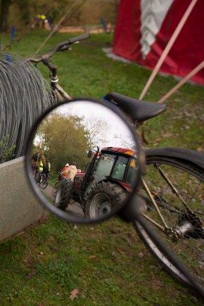La tracto-vélo de Notre-Dame-des-Landes àVersailles